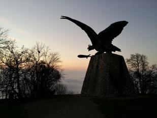Turul emlékmű Tatabánya felett (Fotó: Moczik-Eredics Mária)
