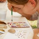 Festés természetes anyagokkal (Fotó: Katkó Blanka)