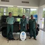 Természetvédelmi Őrszolgálatunk tagjai az egyik új terepjáró előtt
