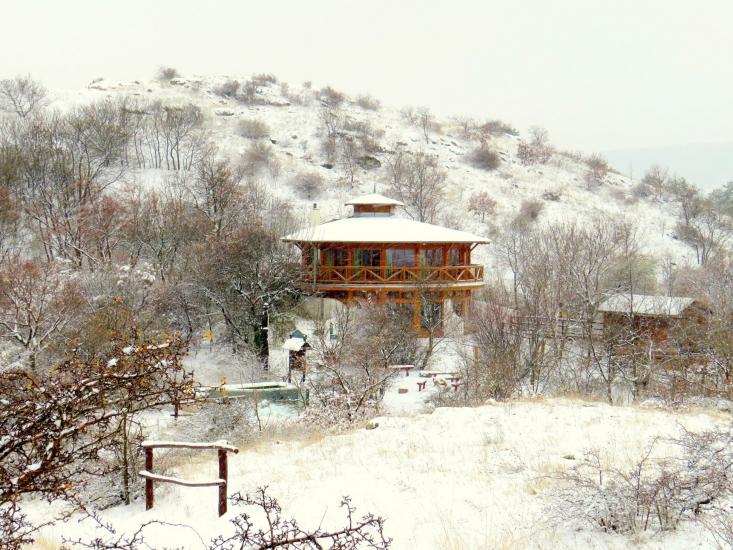 Sas-hegyi Látogatóközpont télen
