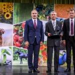Füri András veszi át a Pro Natura díjat (Fotó: Pelsőczy Csaba)
