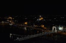 Budapest esti fényei