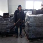 Be lehet szállni nagyban: 4 raklapnyi költőláda az Aranyablak Kft telephelyén