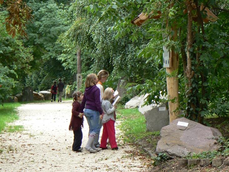 Kincskeresés a Jókai-kertben